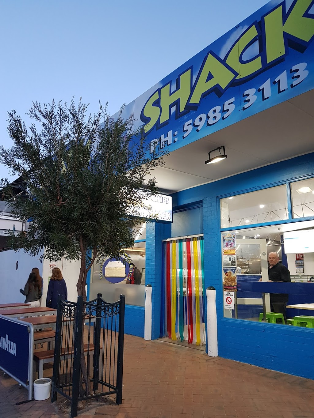 Shark Shack Fish N Chips | meal takeaway | 2367 Point Nepean Rd, Rye VIC 3941, Australia | 0359853113 OR +61 3 5985 3113