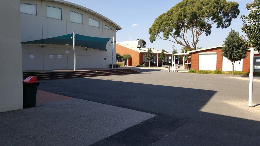Catholic Regional College St Albans   university   10 Theodore St, St Albans VIC 3021, Australia   0393662544 OR +61 3 9366 2544