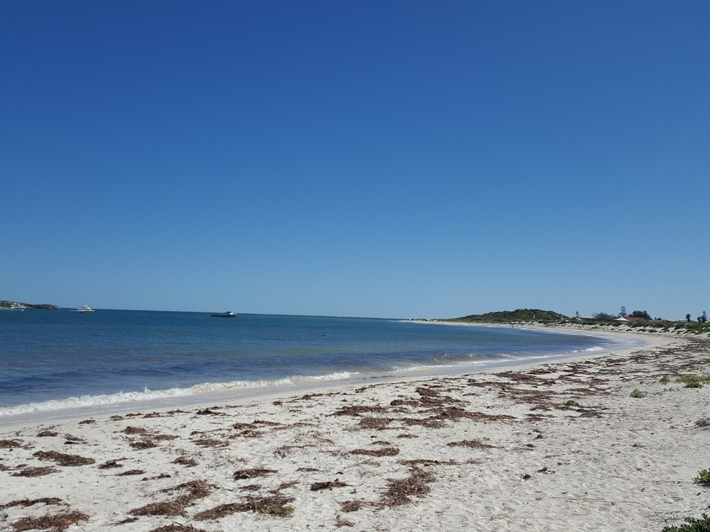 Lancelin Beach Breaks - Holiday accommodation | real estate agency | 70 Bootoo St, Lancelin WA 6044, Australia | 0407446372 OR +61 407 446 372