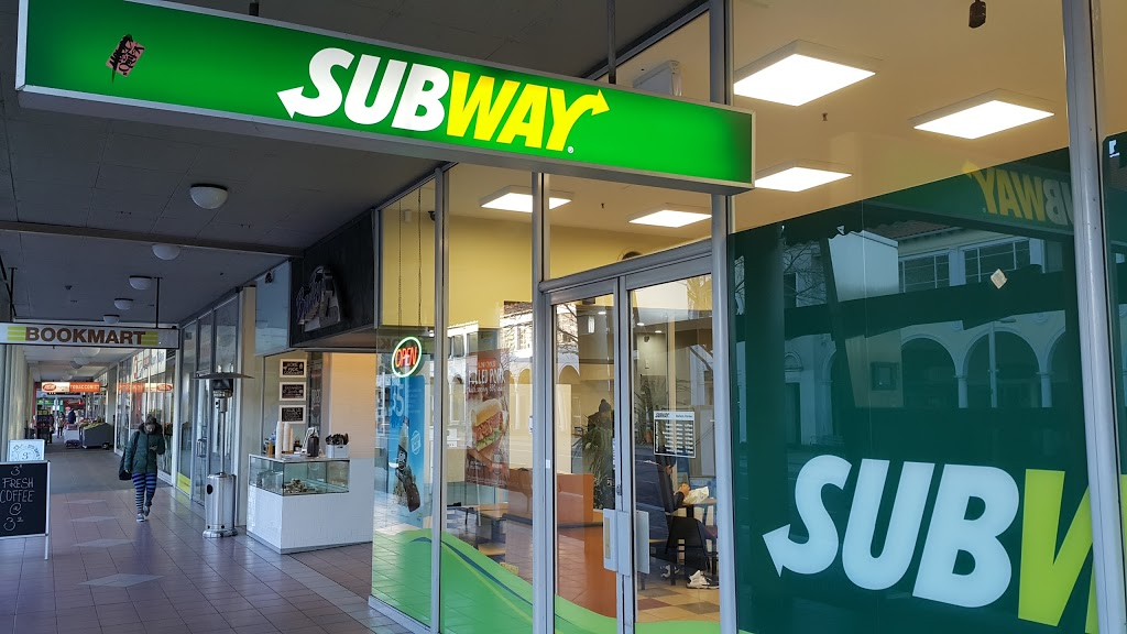 Subway   restaurant   11/2 E Row, Canberra ACT 2601, Australia   0261562110 OR +61 2 6156 2110