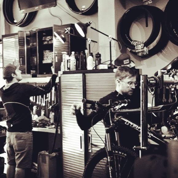 Tune Bike Works | bicycle store | Shop 2/4 Dickson Pl, Dickson ACT 2602, Australia | 0402921318 OR +61 402 921 318