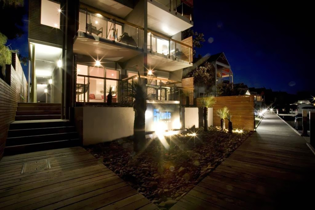 5 Knots Metung | lodging | 42 Metung Rd, Metung VIC 3904, Australia | 0351509495 OR +61 3 5150 9495