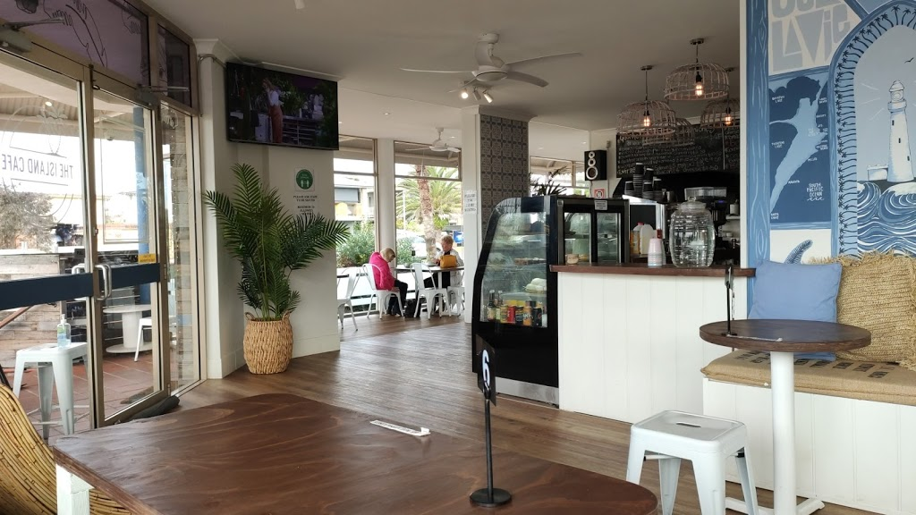 The island cafe | cafe | 69 Bungary Rd, Norah Head NSW 2263, Australia