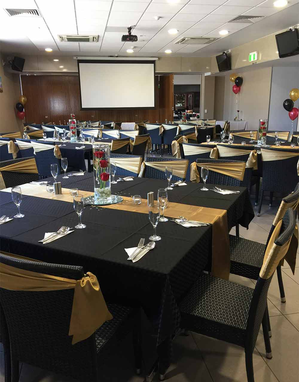 Young Australian Hotel & Function Centre | lodging | 59 Perry St, North Bundaberg QLD 4670, Australia | 0741531553 OR +61 7 4153 1553