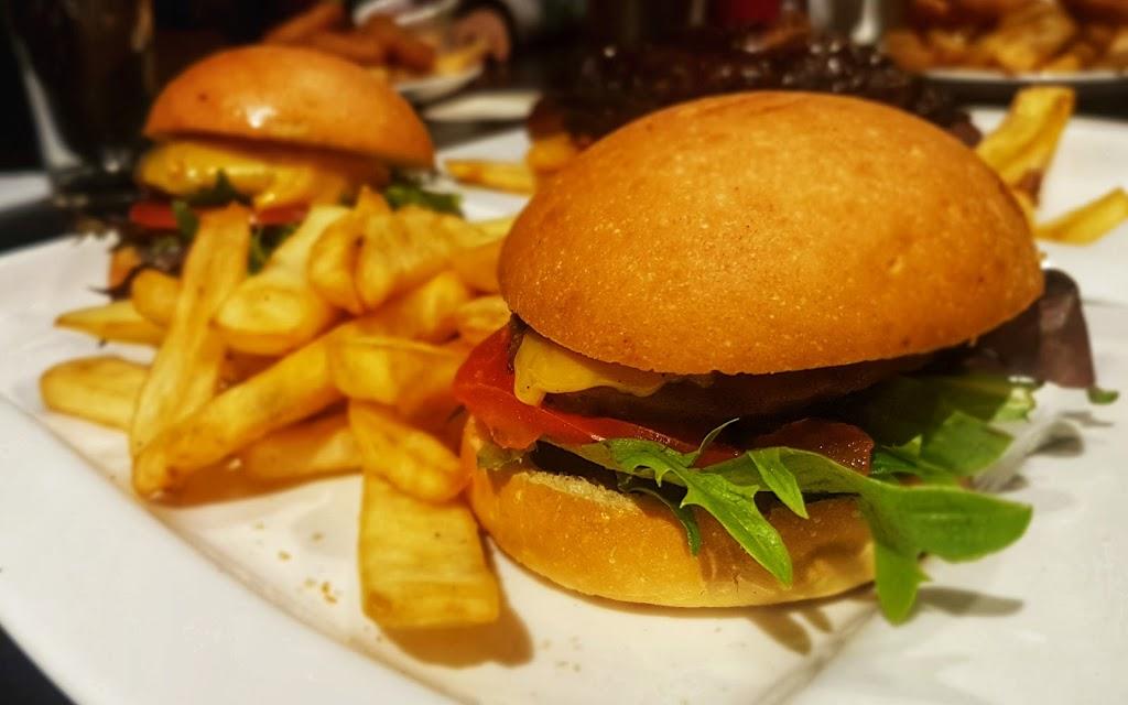 Outback Jacks | restaurant | 99 London Circuit, Canberra ACT 2601, Australia | 0262625549 OR +61 2 6262 5549