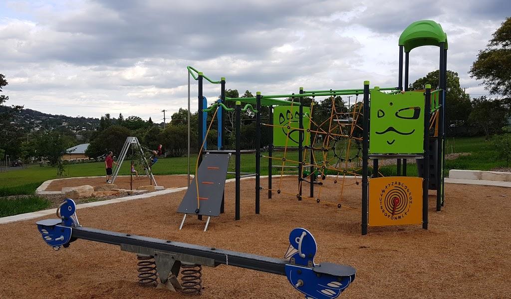 Hillview Street Park   park   14 Hillside St, Newtown QLD 4350, Australia