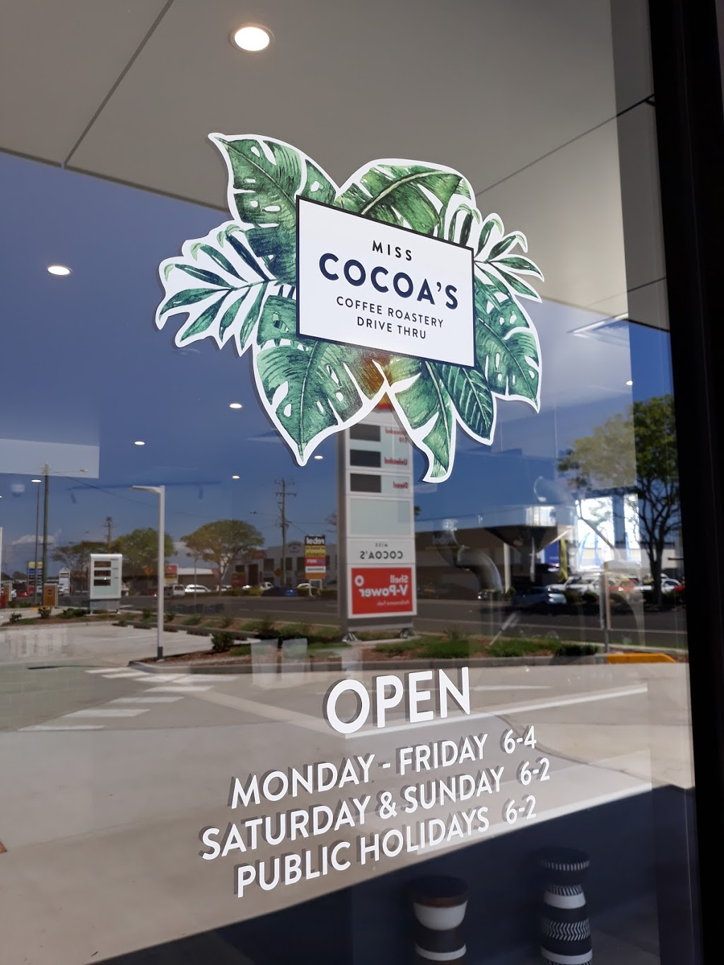 Miss Cocoas Coffee Roastery Drive Thru | cafe | Boat Harbour Drive Park, 93-101 Boat Harbour Dr, Urraween QLD 4655, Australia