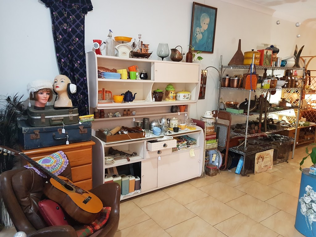 Space & Oddity Vintage Store | home goods store | 3/486 Charlton Esplanade, Torquay QLD 4655, Australia | 0414758841 OR +61 414 758 841