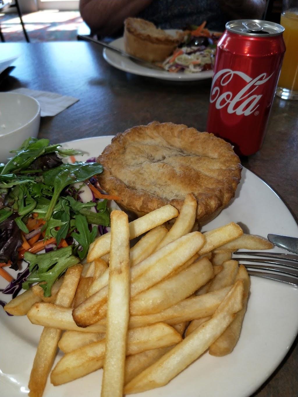 Gowrie Road Hotel   restaurant   208 Bridge St, Newtown QLD 4350, Australia   0746321814 OR +61 7 4632 1814