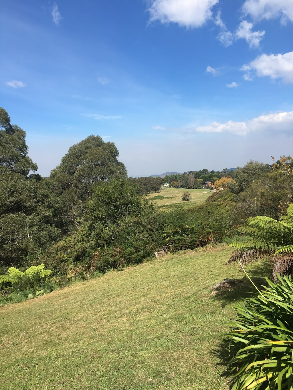 Tranquility House with Views Cottage | lodging | 94 Narrow Neck Rd, Katoomba NSW 2780, Australia | 0418286064 OR +61 418 286 064