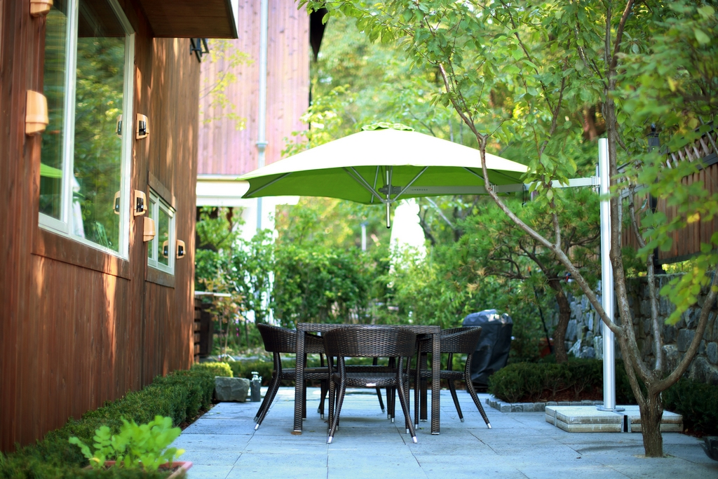 Paradise Shade Umbrellas Pty Ltd | store | 5 Esplanade, Jacobs Well QLD 4208, Australia | 1800258250 OR +61 1800 258 250