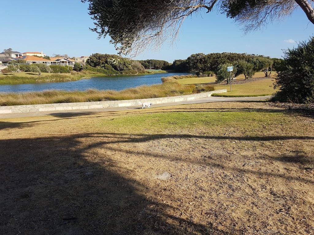 Secret Harbour dog beach   park   Siracusa Ct, Secret Harbour WA 6173, Australia
