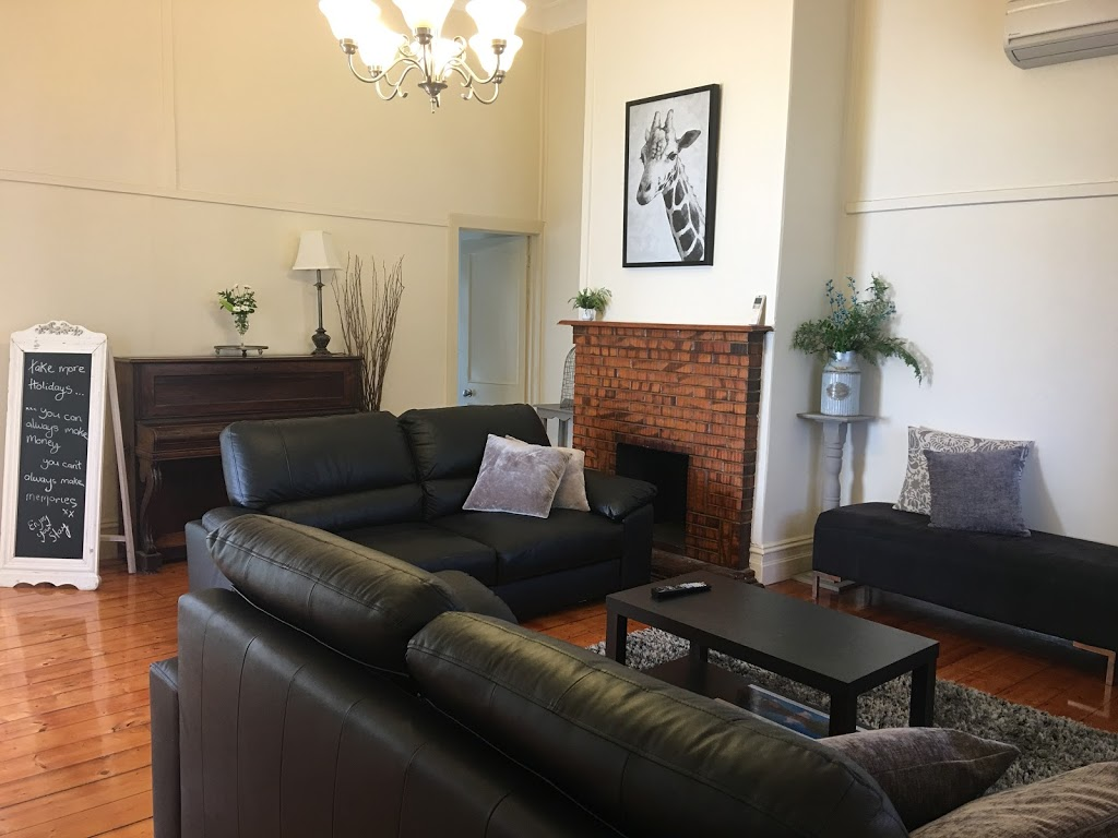 (Barnard Retreat) short stay accom in CBD Bendigo with free wifi | lodging | 139 Barnard St, Bendigo VIC 3550, Australia | 0408395312 OR +61 408 395 312