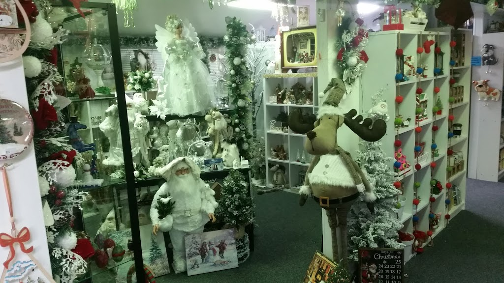 Royal Collectables   point of interest   46 Normanby St, Yeppoon QLD 4703, Australia   0749302638 OR +61 7 4930 2638