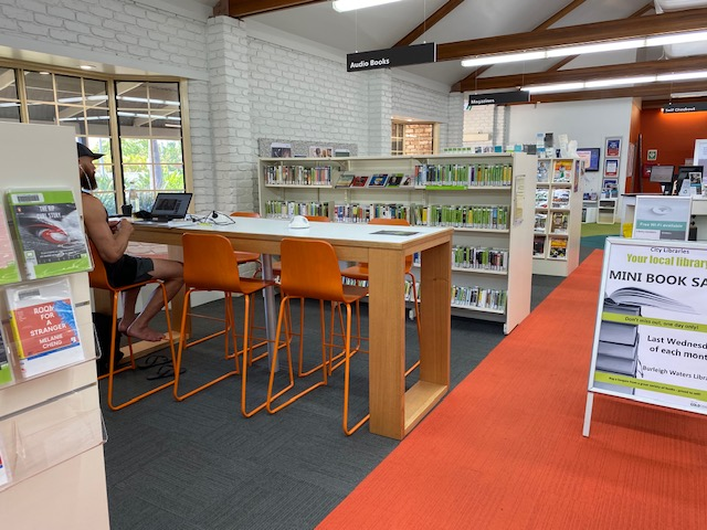 Burleigh Waters Library | library | Corner of Christine Avenue and, Galeen Dr, Burleigh Waters QLD 4220, Australia | 0755811700 OR +61 7 5581 1700
