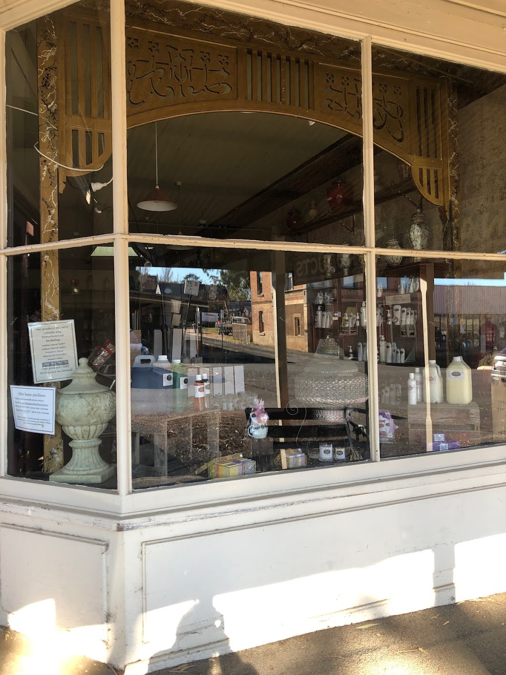 Drummond Body Care   point of interest   70 Mostyn St, Castlemaine VIC 3450, Australia   0354722344 OR +61 3 5472 2344
