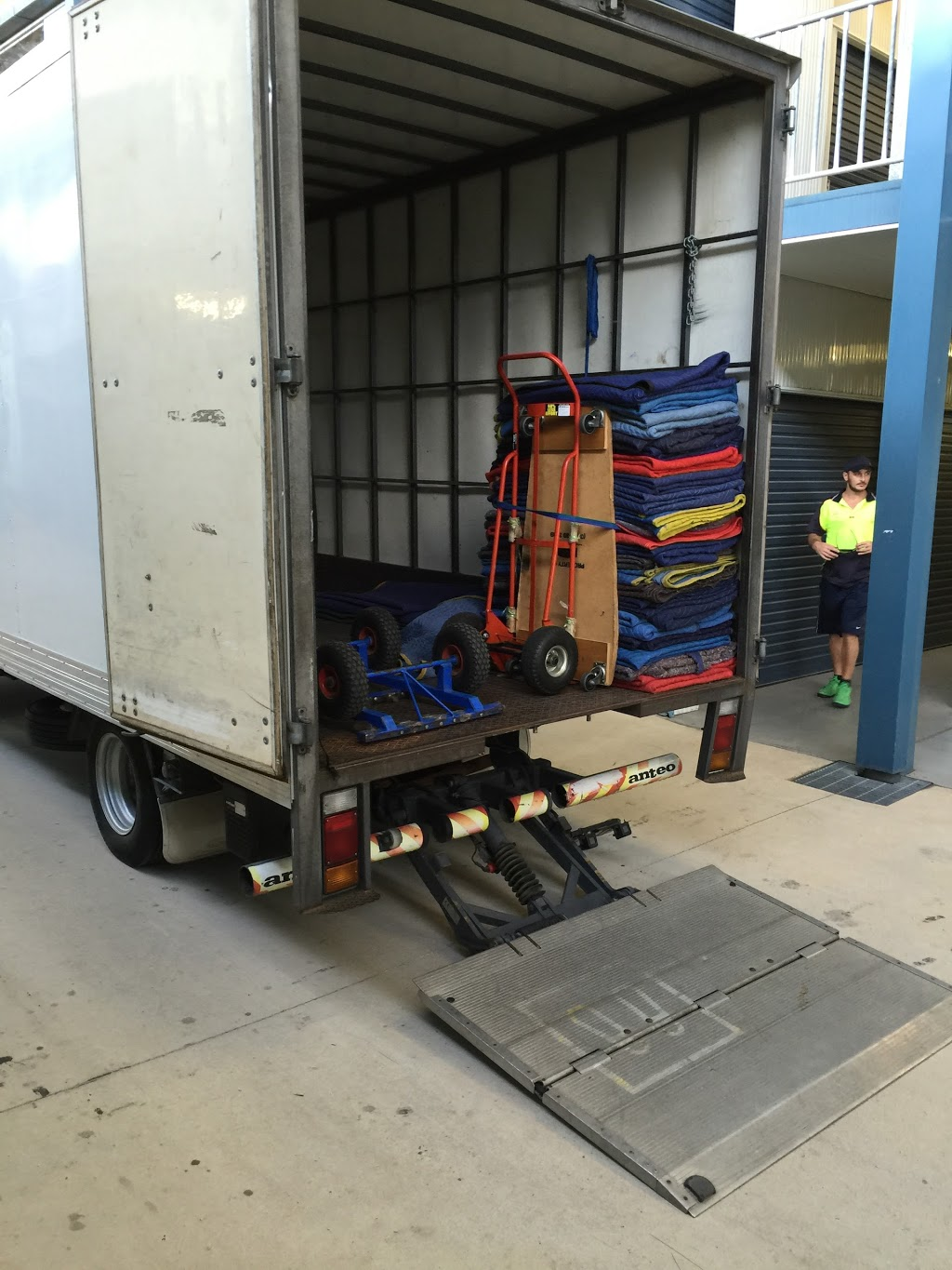 JND Removals & Transport | moving company | 19a Margaret St, West End QLD 4810, Australia | 0408739702 OR +61 408 739 702
