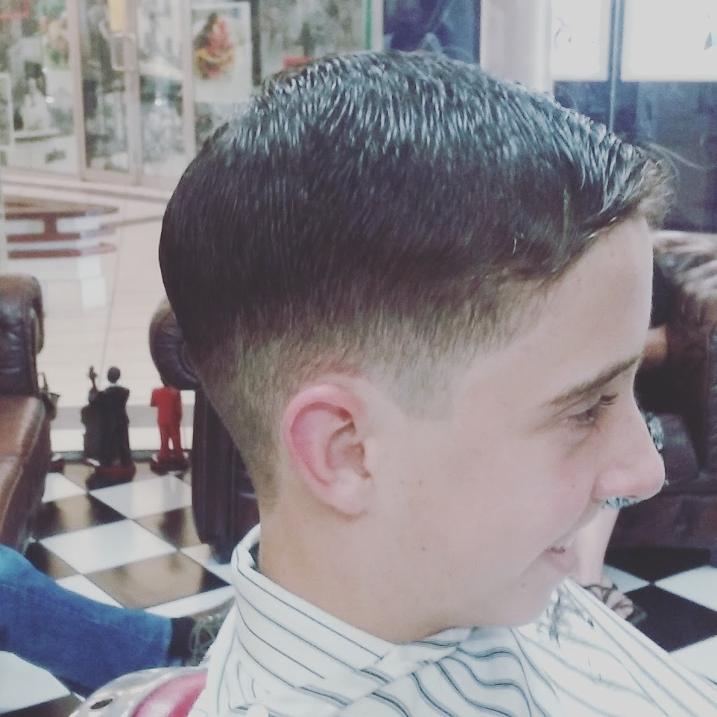 Cotton Tree Barber | hair care | 23 Rovera Apartments Shop, 12 Cotton Tree Parade, Cotton Tree QLD 4558, Australia | 0754436651 OR +61 7 5443 6651