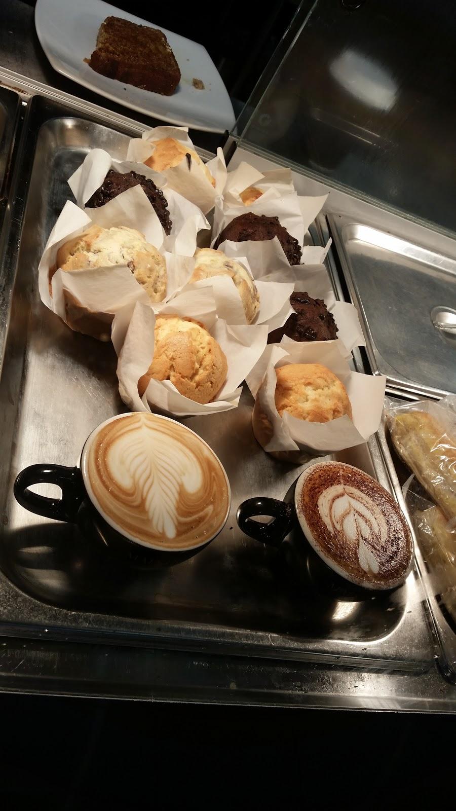 Mckeachies Corner Cafe | cafe | 8 McKeachie Dr, Aberglasslyn NSW 2320, Australia | 0249376696 OR +61 2 4937 6696