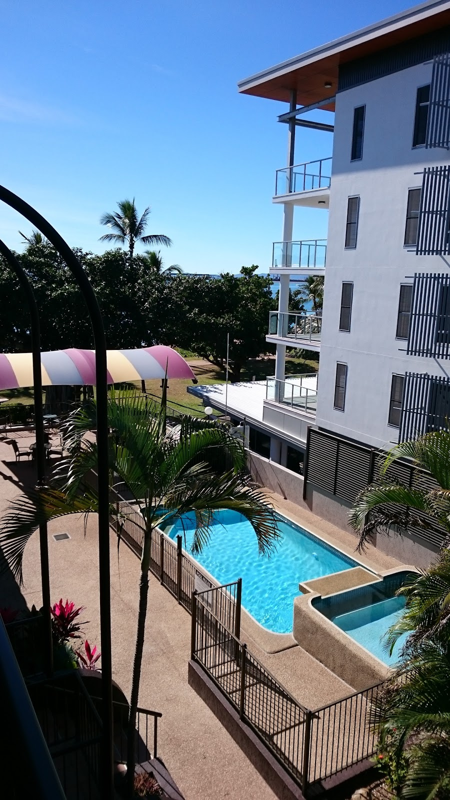 Waters Edge | lodging | 63 The Strand, North Ward QLD 4810, Australia | 0747211777 OR +61 7 4721 1777