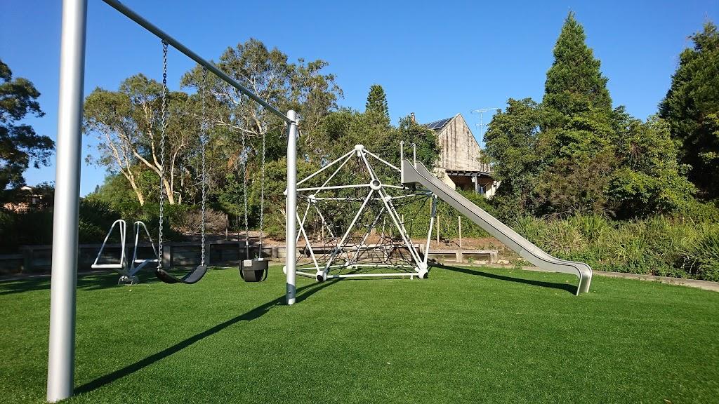 Alice Robinson Reserve   park   20 Davis Pl, Glenhaven NSW 2156, Australia