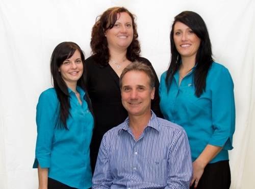 Dr Stephen Suster   dentist   12/62-70 Allison Cres, Menai NSW 2234, Australia   0295434222 OR +61 2 9543 4222