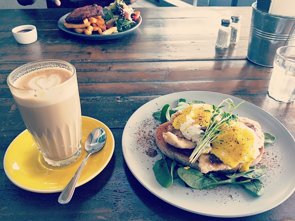 Yellowish | cafe | 33 Remora Rd, Hamilton QLD 4007, Australia | 0736072092 OR +61 7 3607 2092