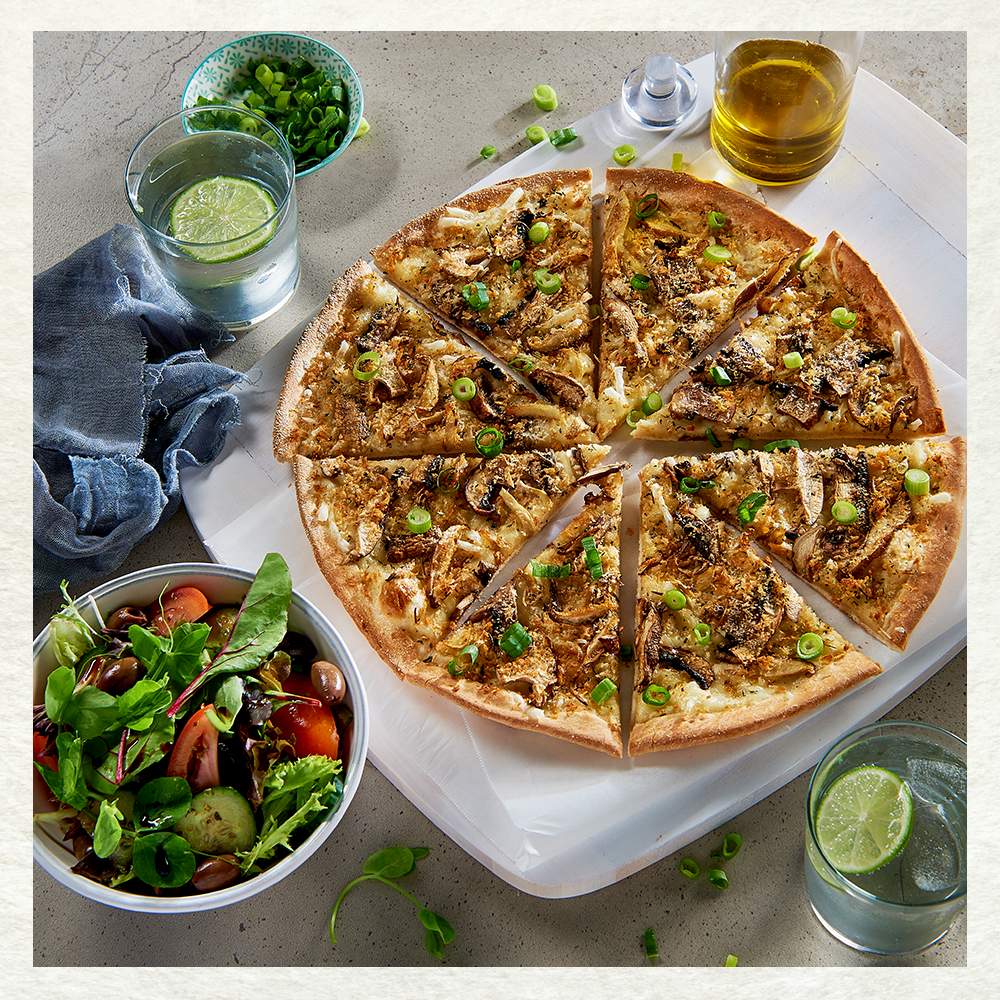 Crust Gourmet Pizza Bar | meal delivery | shop 2/6 Charnwood Pl, Charnwood ACT 2615, Australia | 0262586665 OR +61 2 6258 6665