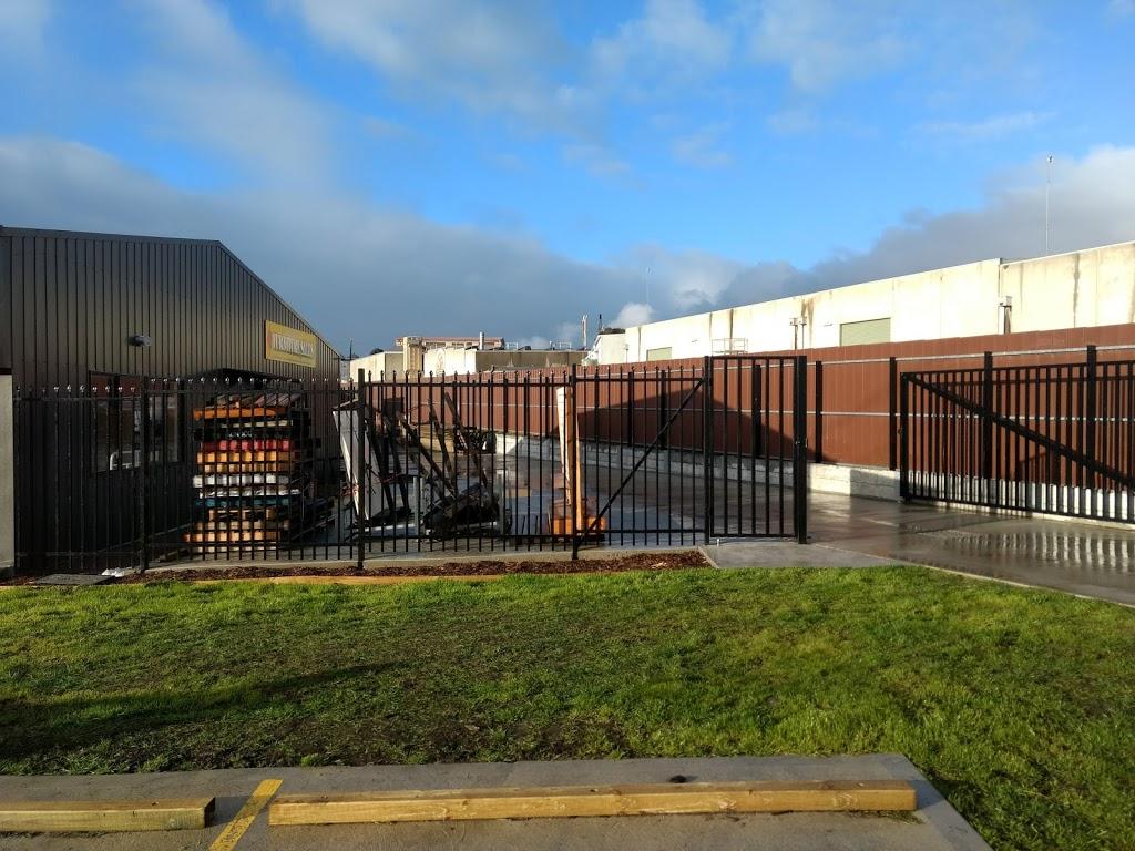 Kilsyth Bargain Centre   hardware store   2 Danjul Cl, Kilsyth VIC 3137, Australia   0397615511 OR +61 3 9761 5511