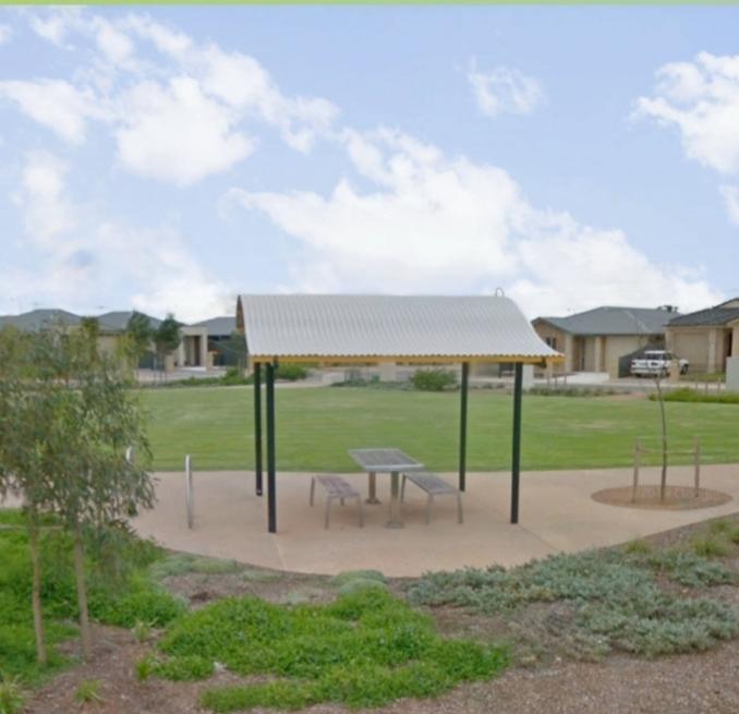 Serpentine Park   lodging   Andrews Farm SA 5114, Australia