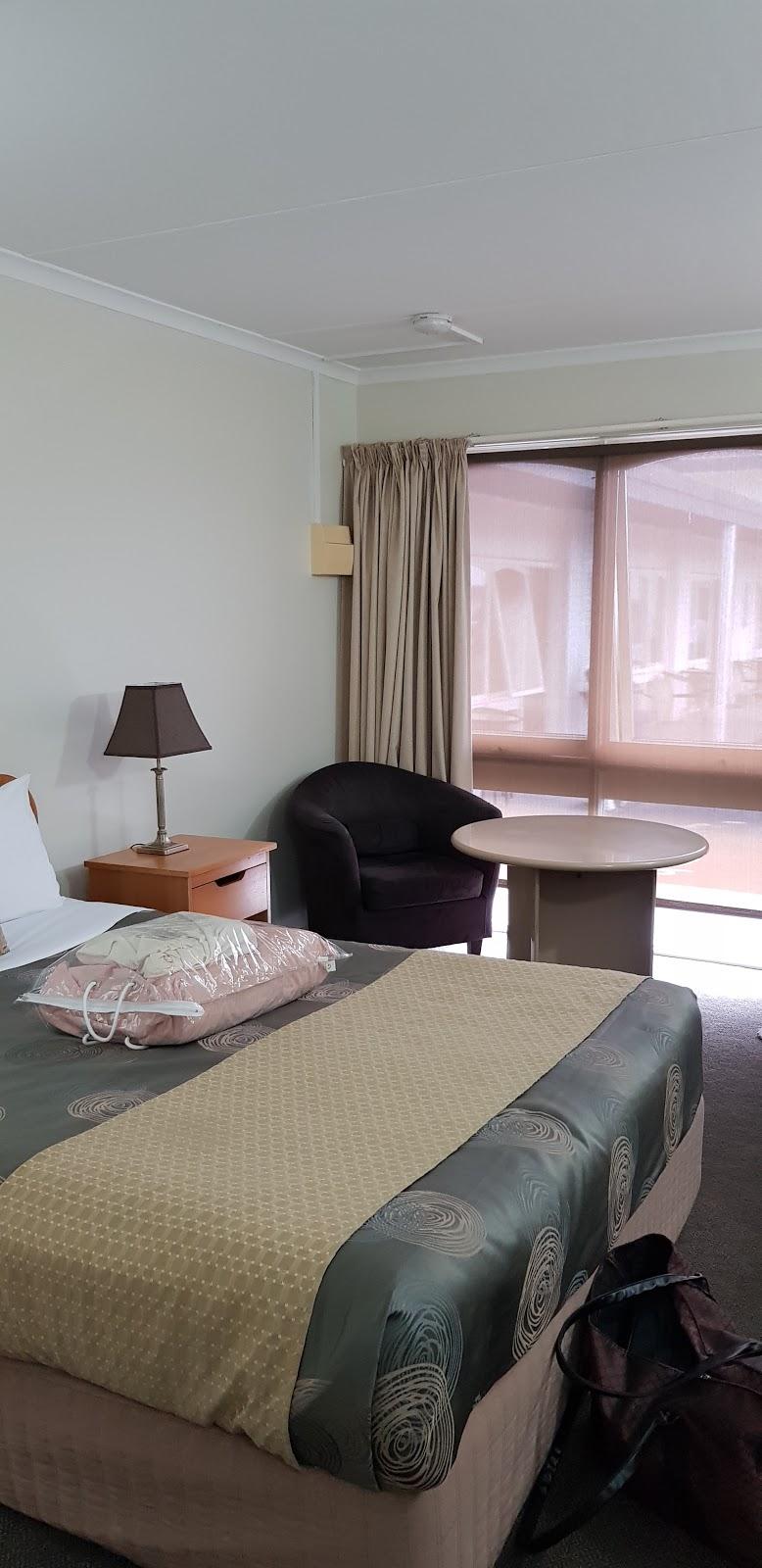 Hacienda Motel Geelong | lodging | 15 Mt Pleasant Rd, Geelong VIC 3216, Australia | 0352435844 OR +61 3 5243 5844