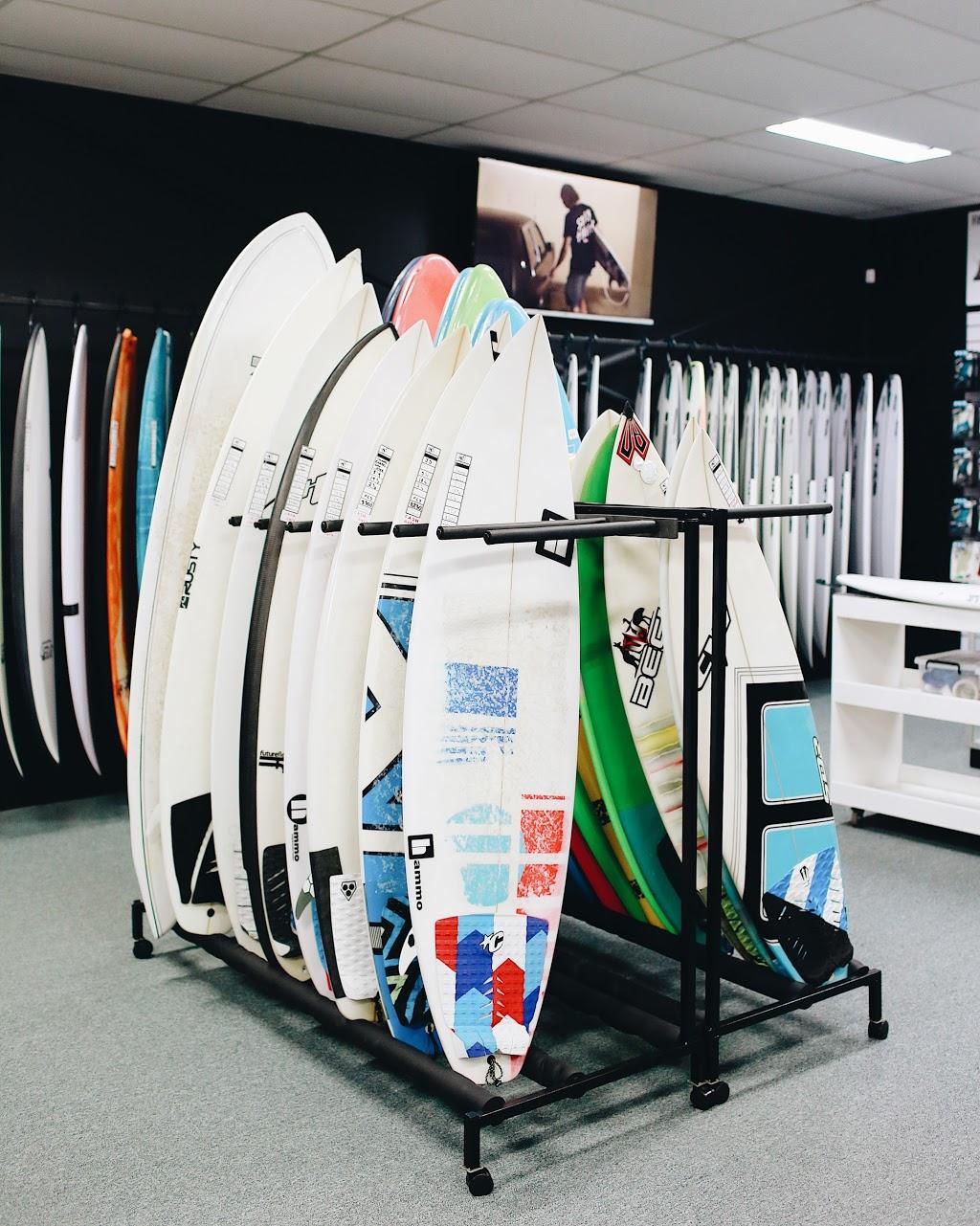Suburban Surf | hair care | 224 Nicklin Way, Warana QLD 4575, Australia | 0754937411 OR +61 7 5493 7411