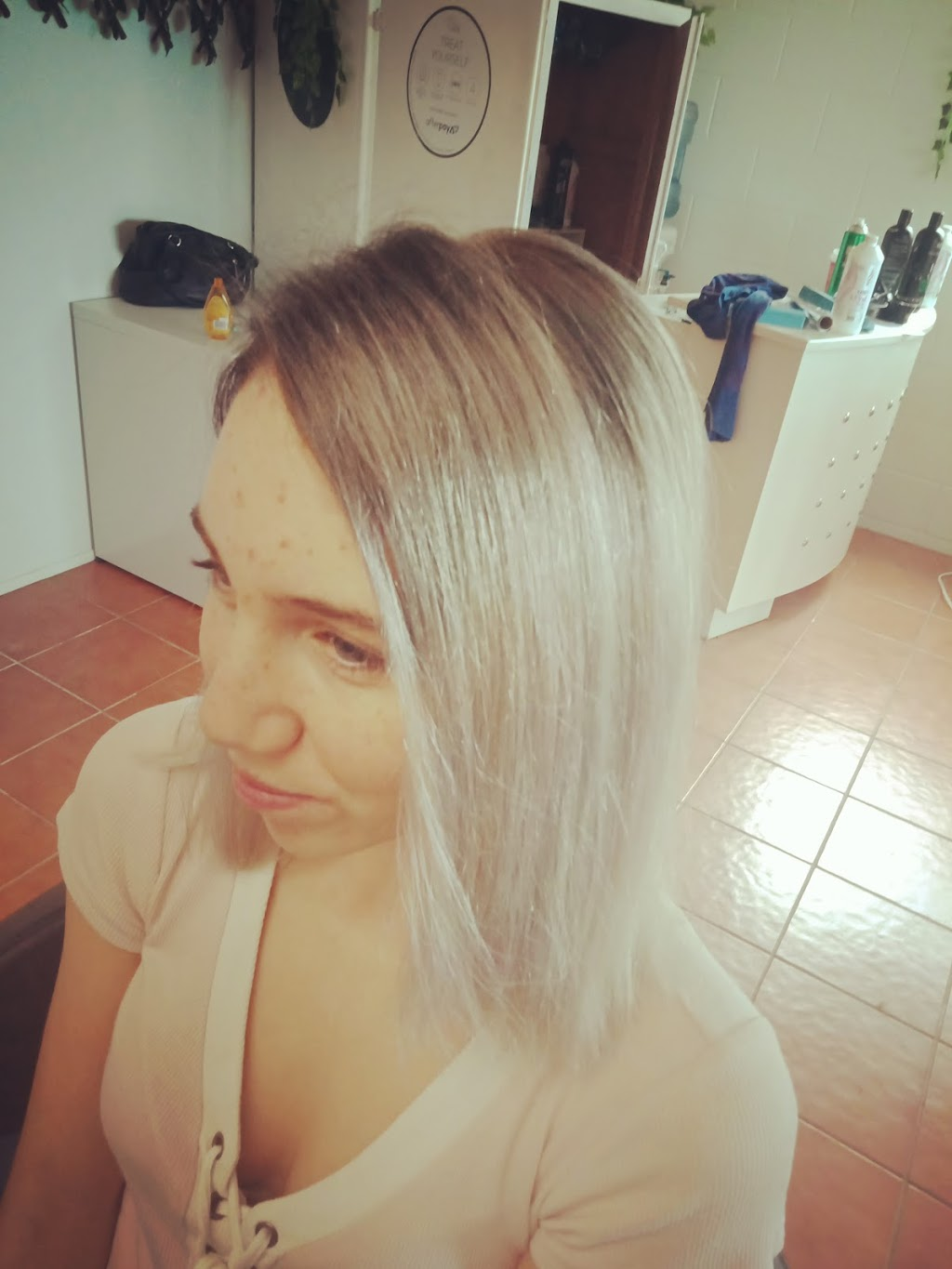 Vanity Parlour In Yeppoon | hair care | Old, Sea View Rd, Yeppoon QLD 4703, Australia | 0408126340 OR +61 408 126 340