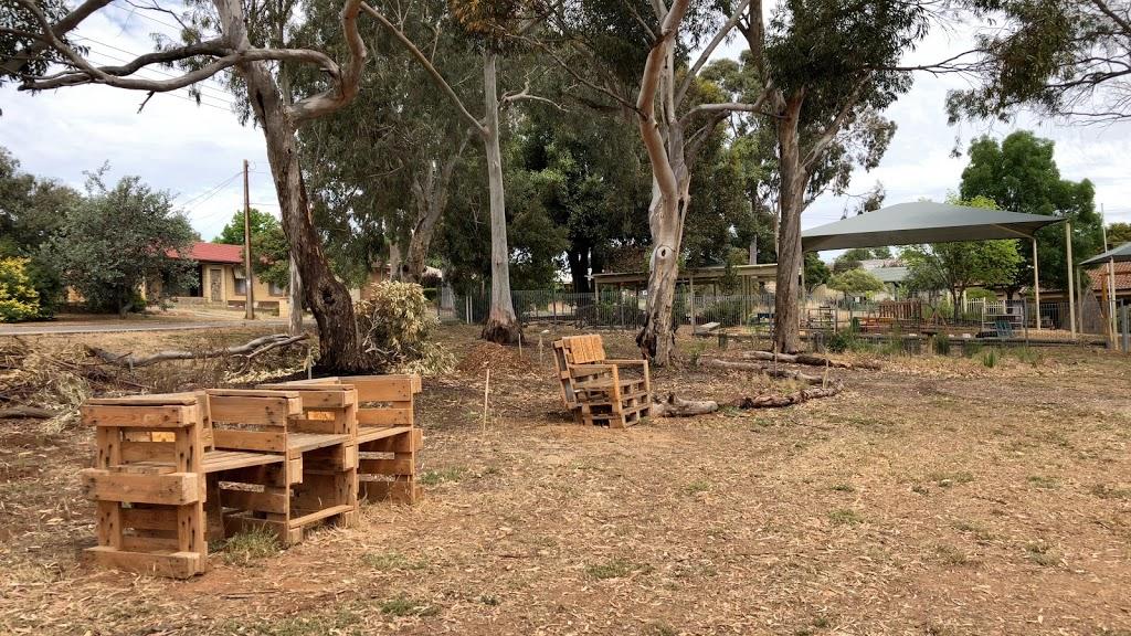 Vintners Walk Butterfly Garden | park | Vintners Walk, Hackham West SA 5163, Australia