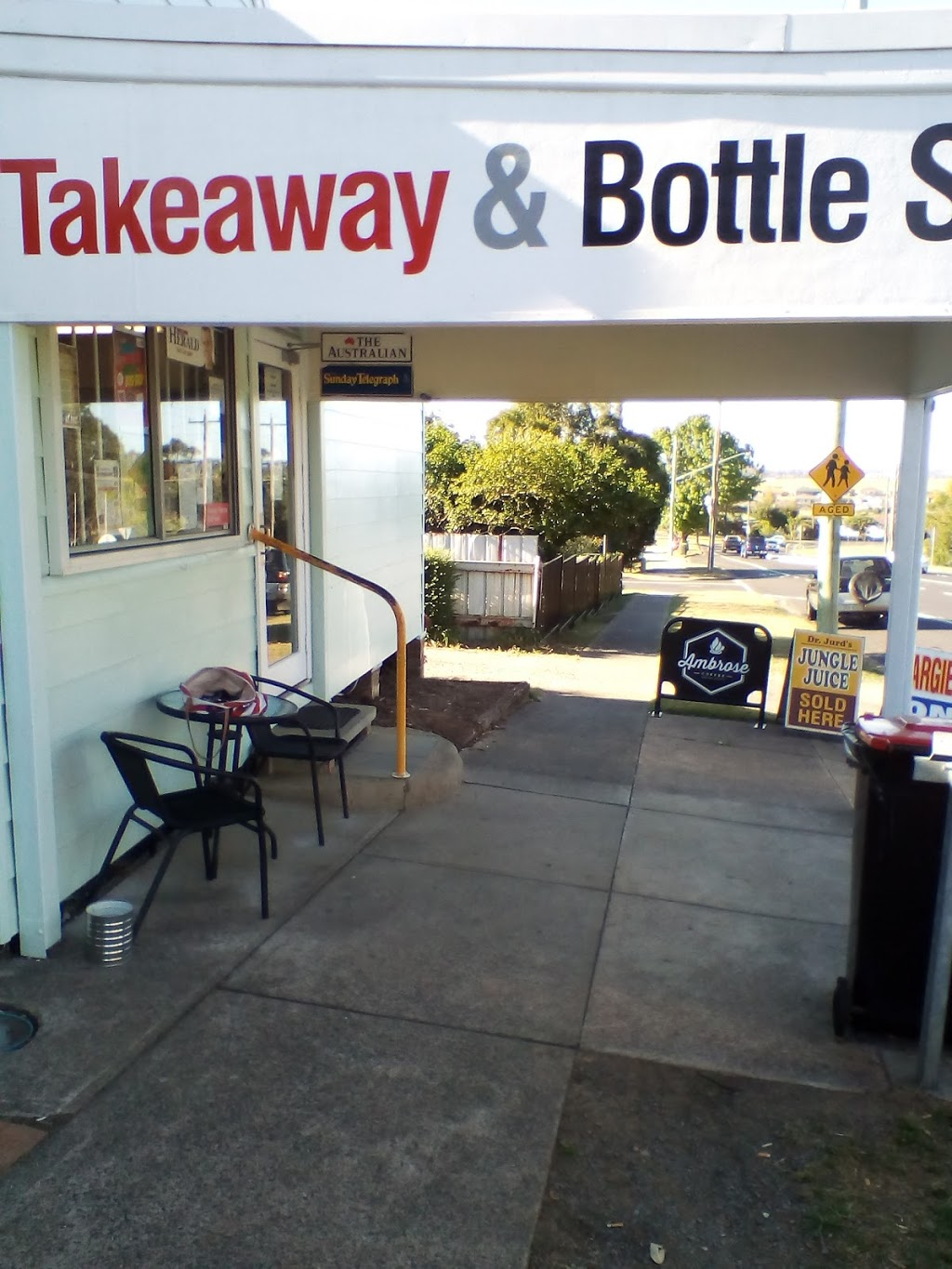 Gillieston Heights General Store & Bottle Shop | store | 13 Cessnock Rd, Gillieston Heights NSW 2321, Australia | 0249328550 OR +61 2 4932 8550