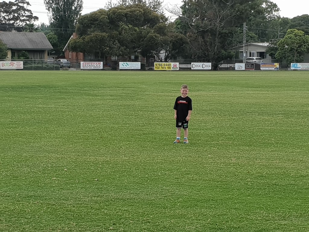 Pines Football - Cricket Club | point of interest | Forest Dr & Messmate St, Frankston North VIC 3200, Australia | 0397863255 OR +61 3 9786 3255