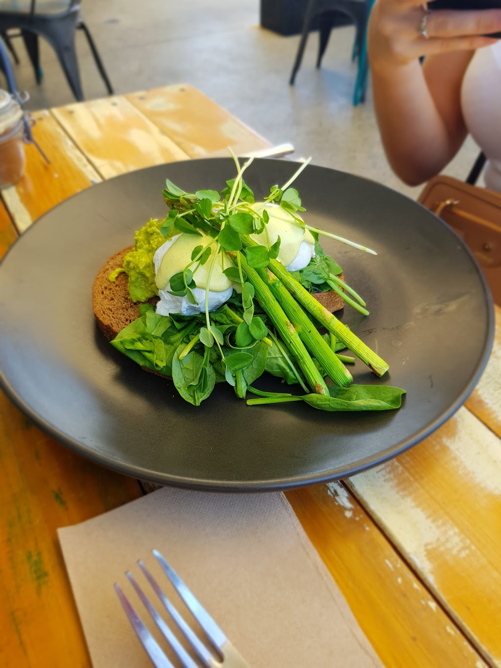 Meraki Whole Food Kitchen | cafe | 55 Brooke Ave, Southport QLD 4215, Australia | 0755030340 OR +61 7 5503 0340