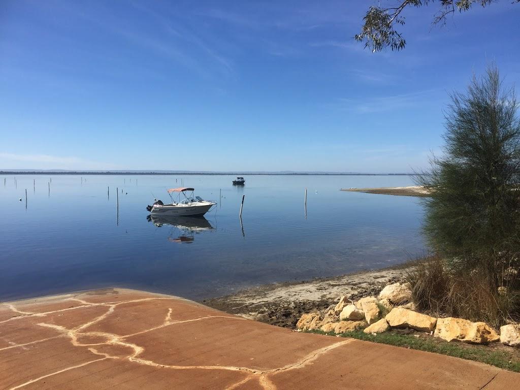 Waters Edge Caravan Park - Lodging | 2133 Old Coast Rd