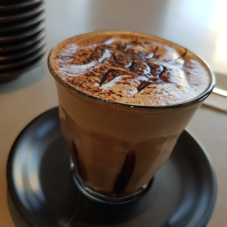 Dela Roma Cafe on reilly | cafe | Shop 8/389 Hume Hwy, Liverpool NSW 2170, Australia | 0287509563 OR +61 2 8750 9563