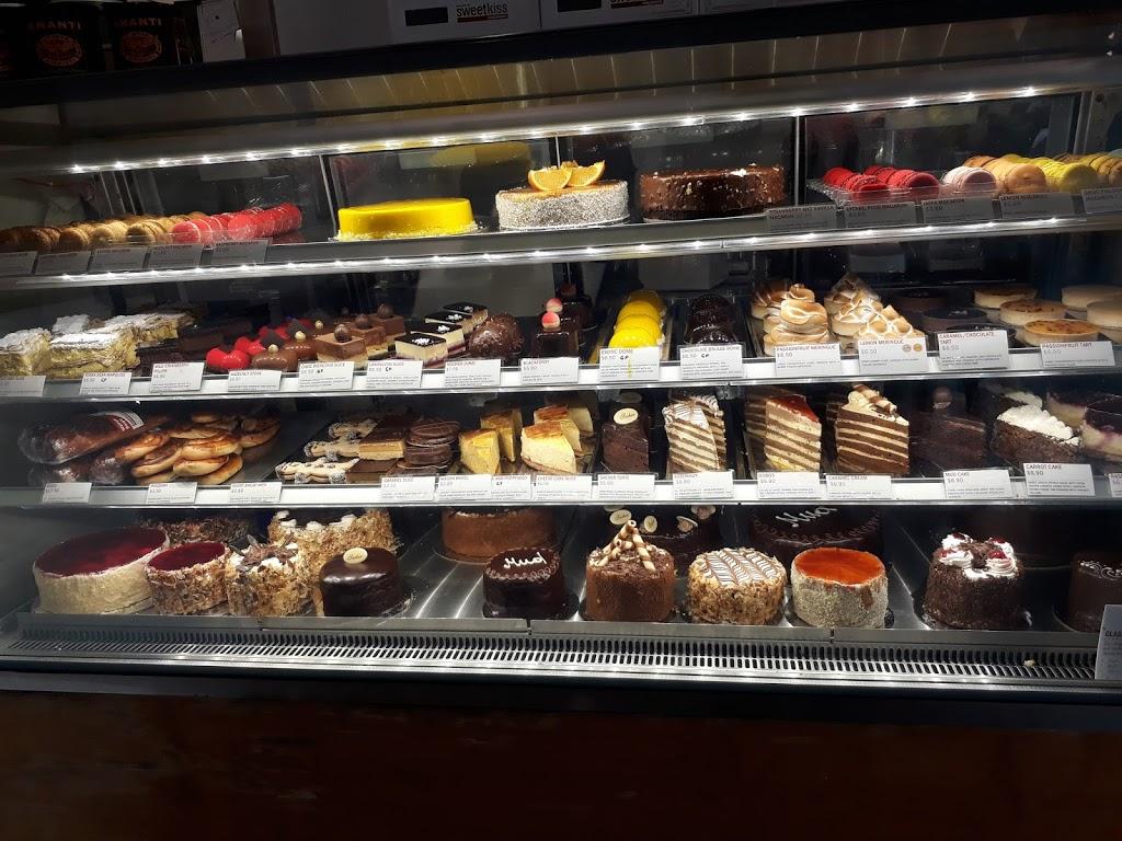 Sweet Kiss Cake Shop | bakery | 343/345 Clovelly Rd, Clovelly NSW 2031, Australia | 0296642654 OR +61 2 9664 2654