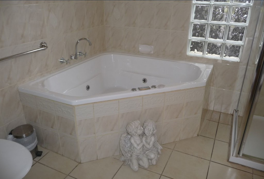Apartments on the Park | lodging | Bourke Street &, East Ave, Glen Innes NSW 2370, Australia | 0428623194 OR +61 428 623 194