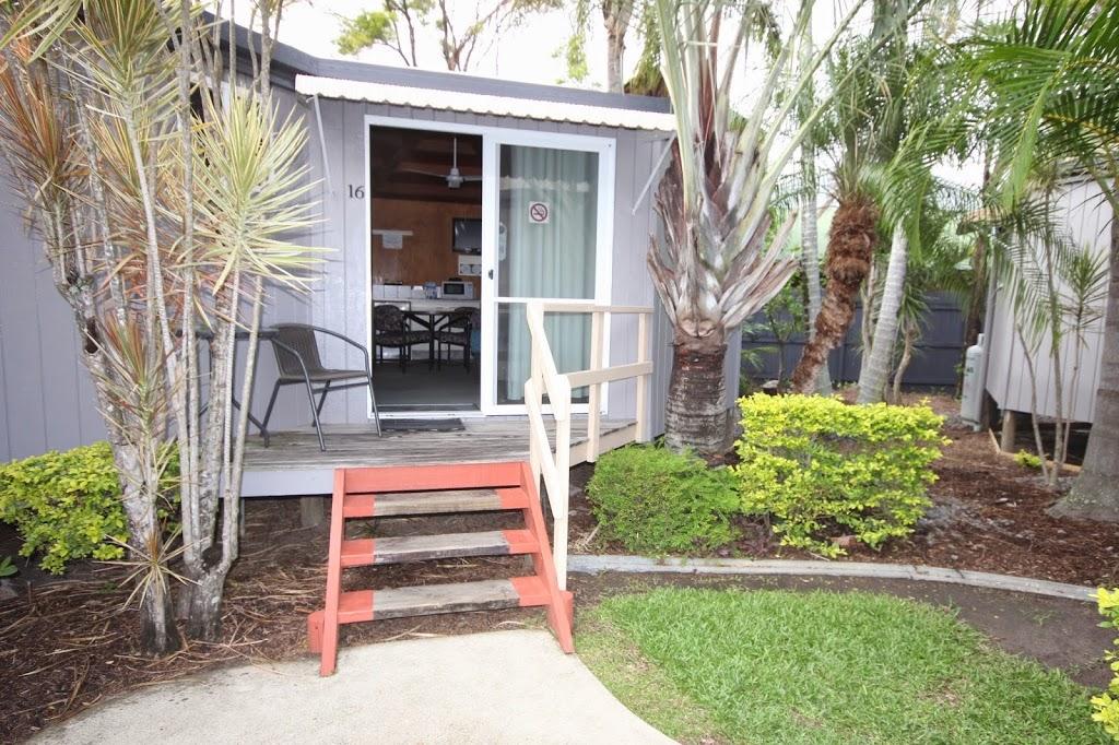 Maroochydore Wunpalm Motel & Holiday Cabins | lodging | 137 Duporth Ave, Sunshine Coast QLD 4558, Australia | 0754434677 OR +61 7 5443 4677