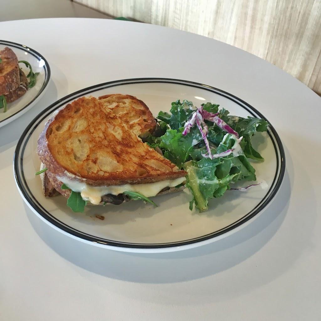 Heart Bakes | cafe | 220 Bridge St, Port Melbourne VIC 3207, Australia