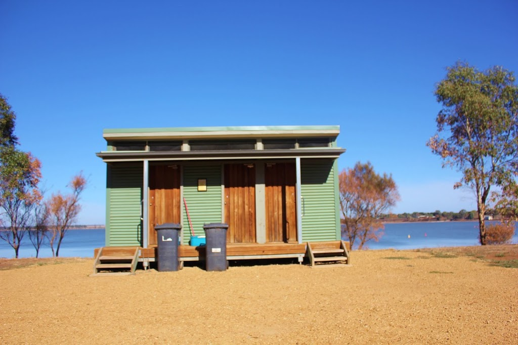 Lake bolac forshore camp reserve | lodging | Frontage Rd, Lake Bolac VIC 3351, Australia