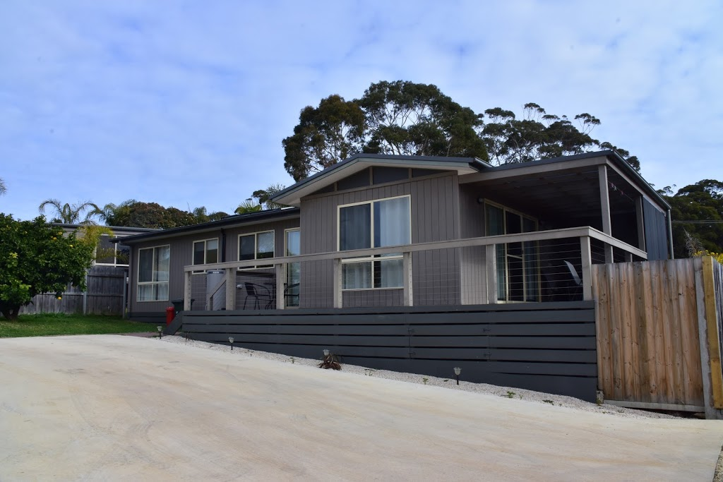 Mallacoota Beach Houses | point of interest | 5 Maurice Ave, Mallacoota VIC 3892, Australia | 0429383573 OR +61 429 383 573