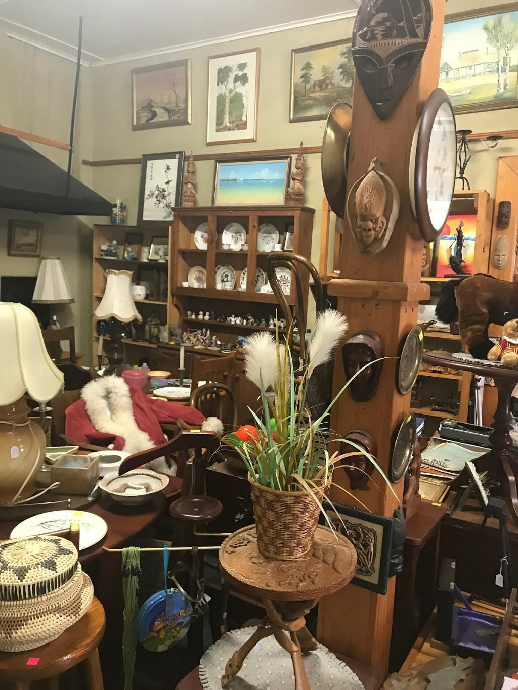 York Art Antiques collectables and Aboriginal | store | 53 Avon Terrace, York WA 6302, Australia | 0432078603 OR +61 432 078 603