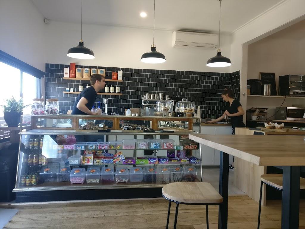 The Food Store | cafe | 39 Carpenter St, Maffra VIC 3860, Australia | 0351411579 OR +61 3 5141 1579