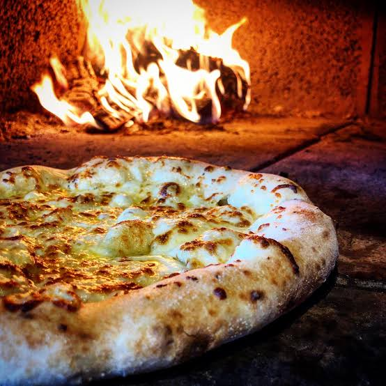 La Harina Woodfired Pizza and Paella | meal takeaway | 503 Freemans Dr, Cooranbong NSW 2265, Australia | 0400253682 OR +61 400 253 682