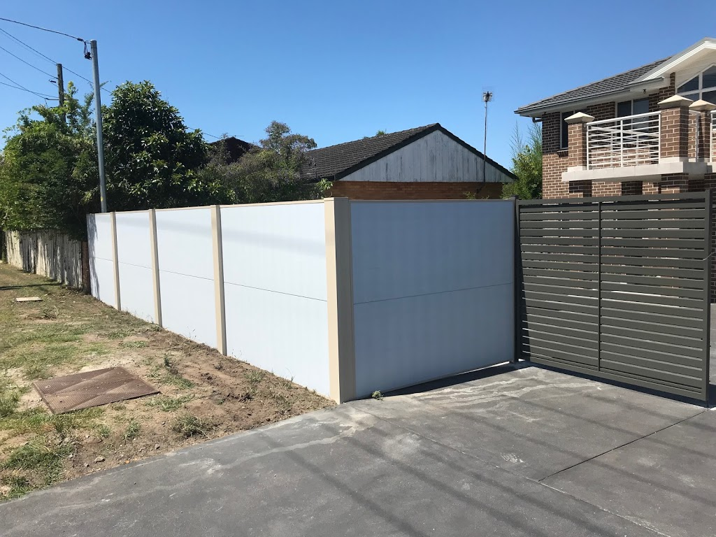 Fence in Fenced Out   general contractor   73 Marangani Ave, North Gosford NSW 2250, Australia   0409445477 OR +61 409 445 477