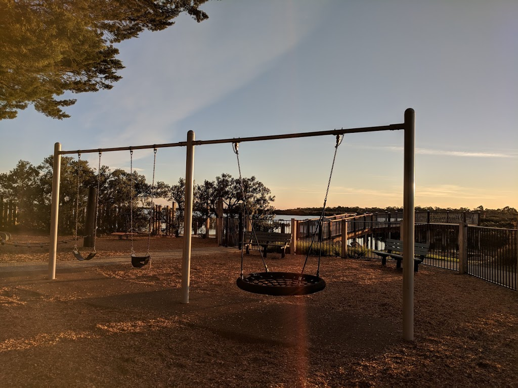Picnic Reserve | park | Foreshore Rd, Tooradin VIC 3980, Australia